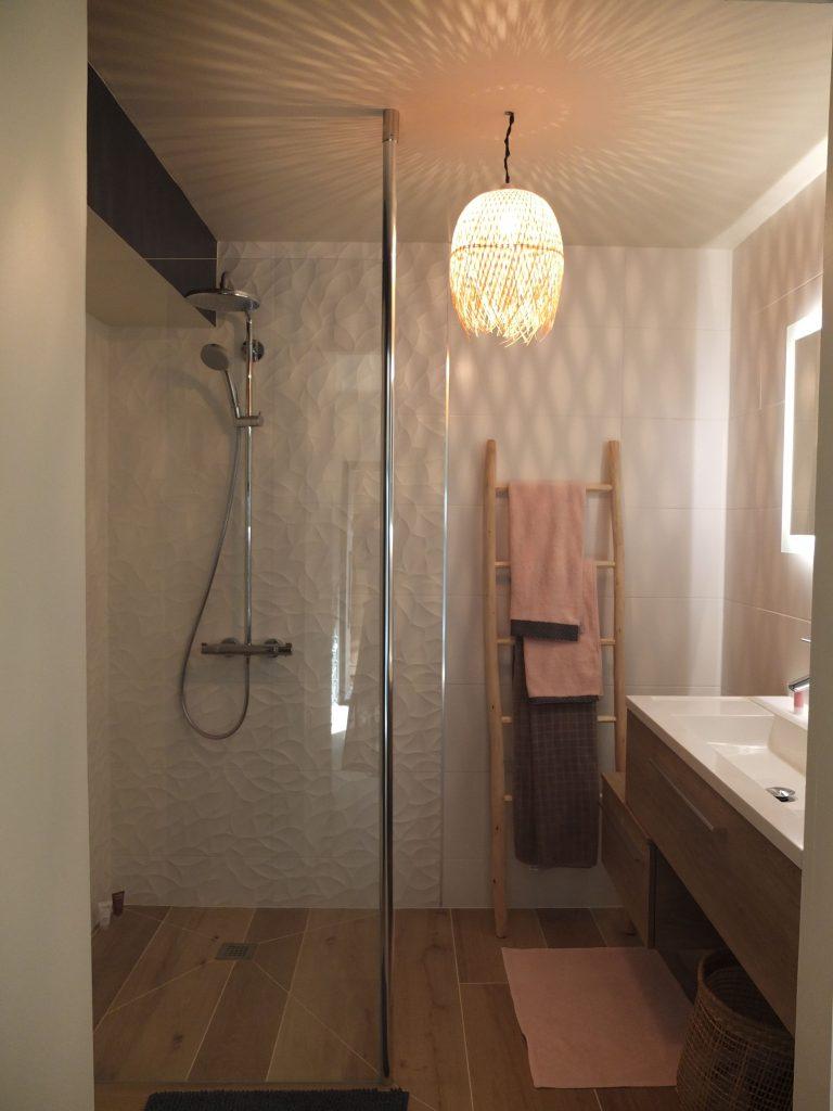 Salle de bain Rennes - Installation, dépannage et réparation : CO
